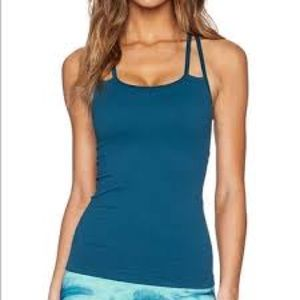 NUX  Seamless workout top